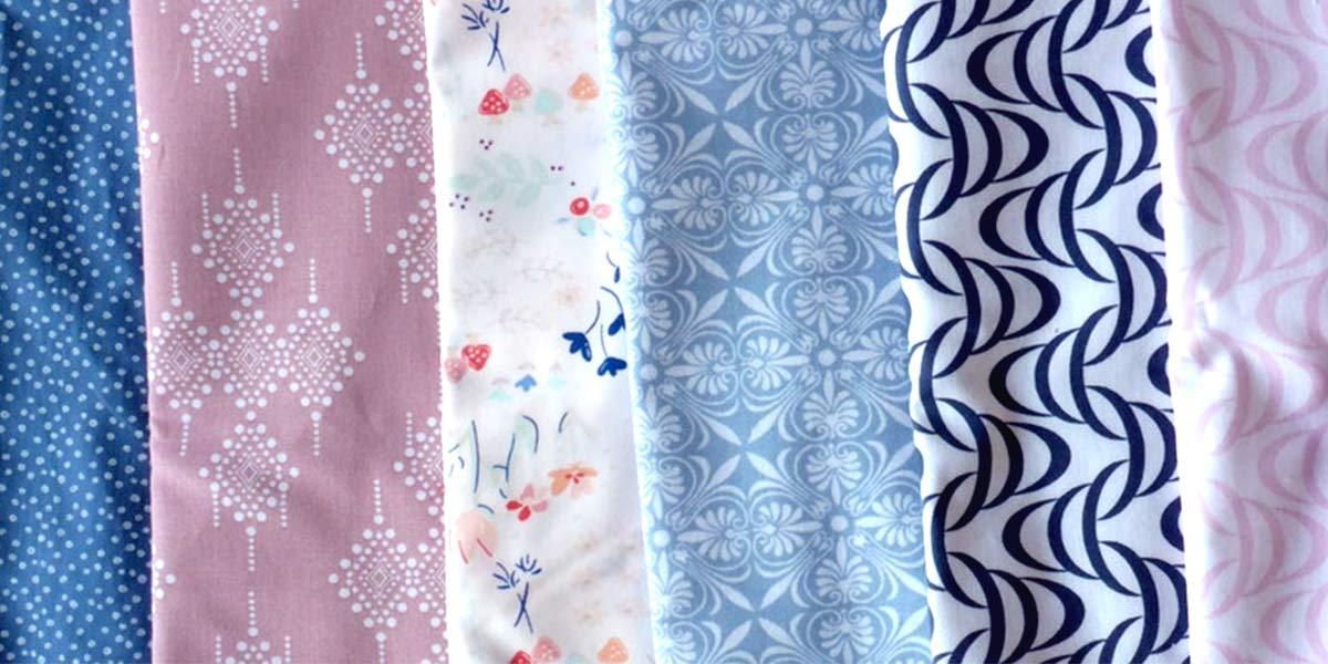 Comment créer un coussin en quilt: Étape 1: Les tissus